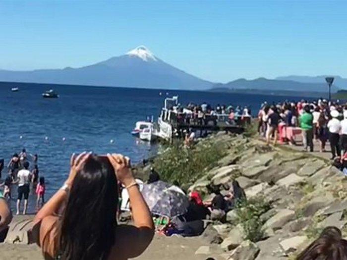 【衝撃映像】空軍機とUFOがニアミスの決定的瞬間! 数百人が同時目撃し大騒ぎに=チリ
