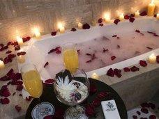 入浴中にココナッツオイルを使用した女性がお風呂から出られなくなるハプニング!