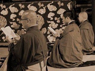 """奇習! 生臭坊主たちの""""性サービス""""に悦び喘ぐ女たち…! 酒宴後の密かな愉しみ「ねぎらいの夜」=奈良県"""