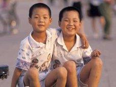 ライターで火あぶり…中国農村で叔父夫婦が8年間、男児を壮絶虐待!