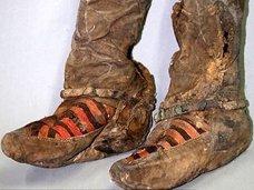 """1500年前のミイラが""""アディダスのブーツ""""を履いていたことが判明! 1700年前のミイラもアディダス着用!"""