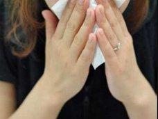 ほつれた縫合糸が皮下から大量に……! 整形手術後1カ月で鼻が崩壊した女性