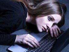 """Facebookが""""自殺しそうな人""""の書き込みを発見するAIを開発! 命を救うのはトモダチではなく、AIの時代"""