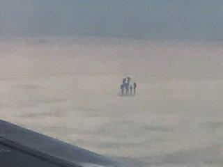 【ガチ】雲の上で「天使の6人家族」がクッキリ激撮される! 上空1万mでピクニックか、専門家「UFOの触手かも」