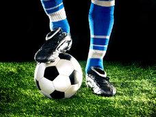 ロキソニンを服用してのスポーツは危険!サッカー選手の約7割が非ステロイド性抗炎症薬を服用!