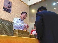 客を洗脳し、高額土産物を次々と……中国「ぼったくりツアー」がついに睡眠術を導入!