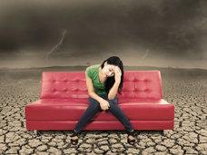 梅雨と片頭痛の関係〜気圧に5〜10hPaの変動があると頭痛が誘発される