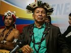 【動画アリ】ベネズエラの州知事、復讐のため「ダブクリの呪い」を中央政府にかけたと正式発表! 頭には羽、首には黒い首飾り