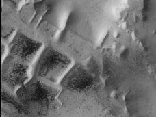 火星で発見された「古代都市の形跡」トップ4! 有名な人面岩からインカの街まで、世間をアッと言わせた光景たち!