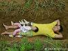 「埋葬される時に怖くないように……」余命わずかの2歳児を墓場で遊ばせる両親に、ネット民が救いの手