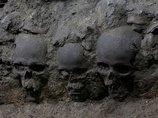 【ガチ】メキシコで頭蓋骨を固めて作った「スカル・タワー(6m)」が発掘される! アステカ文明の生贄文化の犠牲者か!?