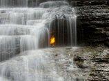 科学者が困惑する世界の異常スポット8! 炎が燃え続ける洞窟、錯視が起きる場所…いまだ解けない謎の数々!