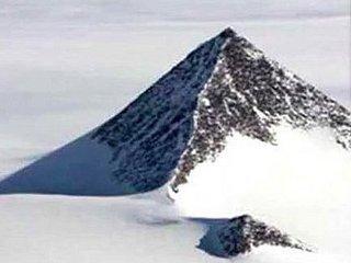 グーグルアースでも確認できる「南極の3大ピラミッド」は人類以外が建設した可能性大! 科学者「1億年前の南極は…」