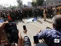 数百台のスマホのカメラに囲まれる中……3歳女児レイプ殺人犯に「鞭打ち100回の後の死刑」宣告