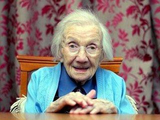 """【109歳の超高齢お婆ちゃんが明かした""""長寿の秘訣""""に全世界戦慄! 「結婚は絶対NG」「○○に触れるな」=スコットランド"""