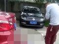 【閲覧注意】父親が8歳娘を誤って轢き殺す決定的瞬間がショッキングすぎる! 一瞬の不注意が招いた人生最大の悪夢=中国
