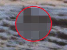 【衝撃】火星でボーダーシャツを着たオシャレ女子が激写される! NASA公式写真で判明、人影の発見相次ぐ緊急事態!