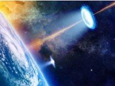 【衝撃】すでに人類が宇宙人と戦争していた決定的証拠が激撮される! 地球からUFOを狙った「地対宇宙レーザー」発射、ワームホールの可能性も!