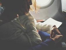 「偶然隣り合っただけの2人が……」航空機の座席で性行為した男女を、FBIが逮捕!