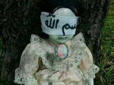 世界で発見された不気味な人形5選!!