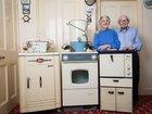 60年前の家電製品を使い続けた物持ちの良すぎる老夫婦がカッコよすぎる! 2人が断言「昔の方が質が良かった」=イギリス