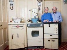 60年前の家電製品を使い続けた物持ちの良すぎる老夫婦