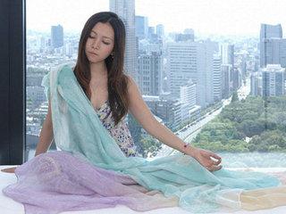 シックスセンスが急成長、人生を劇的に変える「マントラ瞑想4ステップ」とは? 人気ヨガ講師ダケアヤナが伝授/インタビュー