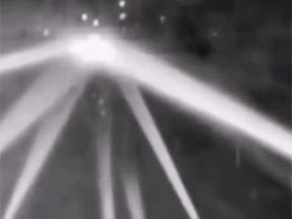 """【衝撃動画】25機のUFOが出現し、米軍がガチ攻撃した""""伝説の事件映像""""が発見される! 75年前のロサンゼルス事件全貌とは?"""