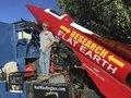 """「地球平面説」を証明するために独学ロケットエンジニアが発射計画!有名選手やラッパーも""""平面派""""に次々転向中!"""