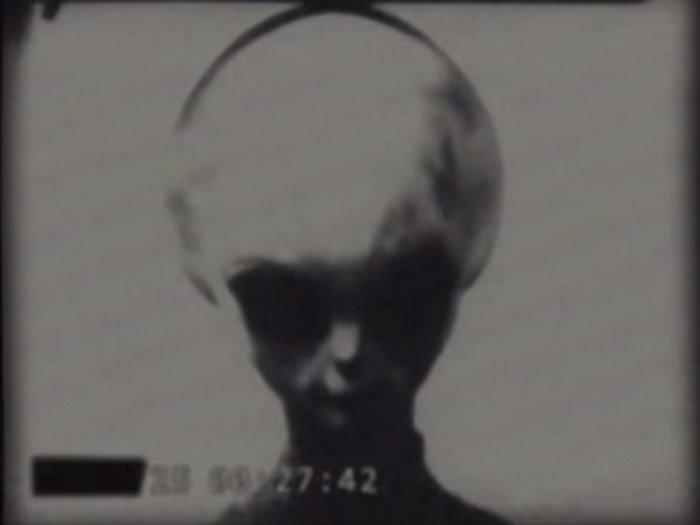 【衝撃】KGBが撮影した「宇宙人記録映像4本」全1260分、生きたグレイも…! ソ連がエイリアンと秘密契約を結んでいた証拠か!