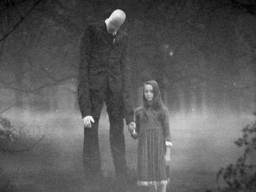 12歳少女が「スレンダーマン」に命じられて同級生を19回メッタ刺し! ネットのジョークから始まった恐怖の怪物の正体とは?