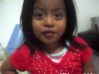 【閲覧注意】5歳幼女の「キツすぎるおやつの時間」ー グアテマラ当局もブチ切れた衝撃動画