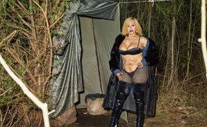 【写真展】ブローニュの森の娼婦、少数民族ロマ、ピカピカの都市…フランスの違和感を捉えた石川竜一最新作『OUTREMER/群青』が強烈すぎる!