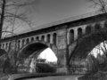 幽霊や異次元ポータルが出現しまくる最恐心霊スポット「エイボンの幽霊橋」! 橋の中に埋められた労働者たちの死体が…