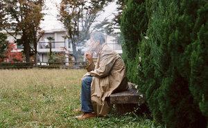 """""""失踪を繰り返す父""""と""""行方不明だった伯母""""を撮り続けた写真家・金川晋吾インタビュー「度重なる父親の裏切りに""""爽快感""""」"""