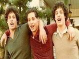 3つ子の人生を狂わせた非人道的社会実験! 生後すぐに引き離された兄弟の運命がトンでもないことに…!