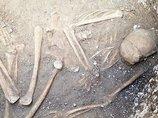 """【歴史の謎】2800年前の封印された地下拷問室で""""謎の人骨""""が出土! 性別、死因、屈葬の理由… 何もかも不明で不気味すぎる!=英"""