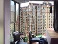 窓ガラス、金属パイプが空から降ってくる……! 中国「おから建築」落下物の恐怖