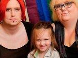 """【驚愕】パパがママで、ママがパパな「ジェンダーフリー家族」の子どもが""""中性""""になっていた! 性を超越した3人が未来的!"""