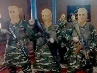 流出した「イスラム国」の訓練映像がトホホすぎる! 覇気なし、体力なし、リズム感なし…まるでコント!