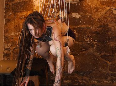 【激ヤバ】4日間で100人を吊り下げるボディサスペンションの世界!  ケロッピー前田が今年も世界大会『サスコン』に参戦か!?