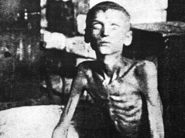 【閲覧注意】ヤフオクに「人肉を売る老婆」の生写真が出品中!500万人が餓死したソ連・ポヴォーロジエ飢饉のリアル