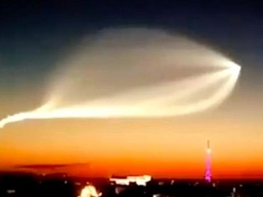 """W杯ロシア会場に""""巨大UFO""""出現「宇宙人がサッカーを見に来た!」 プーチンの陰謀の可能性も…!?"""