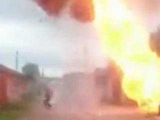 【閲覧注意】ガレージ大爆発に巻き込まれた男がヤバすぎる! 黒焦げになってもピンピンしている超絶「ダイ・ハード」親父=ロシア