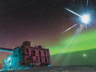 """南極で検出された幽霊粒子の""""発生源""""を特定! 40億光年彼方の「TXS 0506+056」1カ所からやってきている!?"""