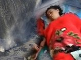 海で死んだはずの女が帰ってきたリアル浦島太郎事件発生! 1年半前と同じ服、同じ場所で…  インドネシア全土が震撼!