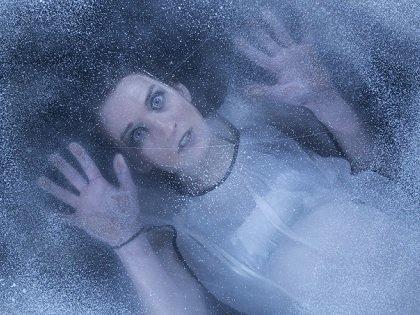 氷の中から発見された神秘の生命体4選! 氷漬けの女、ケブカサイ… 歴史を解き明かし遺伝子研究に劇的進展も!