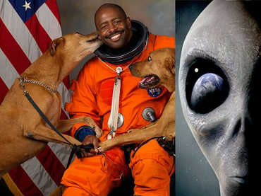【ガチ】「宇宙でエイリアンのような有機的生命体を見た」NASA宇宙飛行士が暴露! 管制官に報告するも… クラゲ型宇宙人か!?