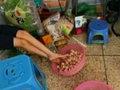 """「素足で肉団子をコネコネ」は序の口……中国の国民食""""麻辣湯""""は毒食品てんこ盛りだった!"""