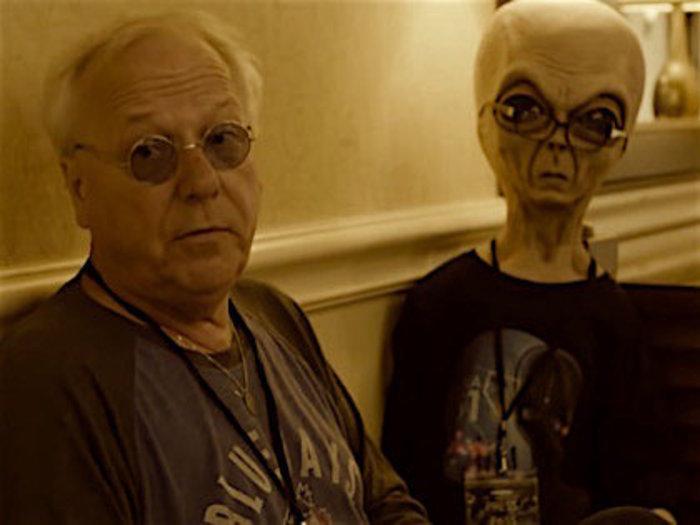"""「UFOマグネット男」が""""引き寄せまくる理由""""を大暴露! 飛行機で、スフィンクスの傍で、エイリアンと会話も…!?"""